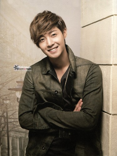 Kim Hyun Joong wallpaper possibly with a well dressed person and a business suit called Kim Hyun Joong<3