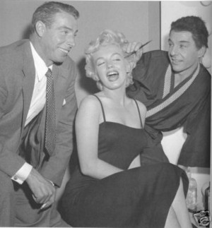 Marilyn With detik Husband, Joe DiMaggio And A Friend