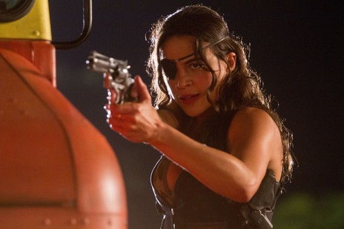 Machete kertas dinding entitled Michelle Rodriguez as Shé