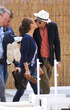 Mila & Ashton Kiss