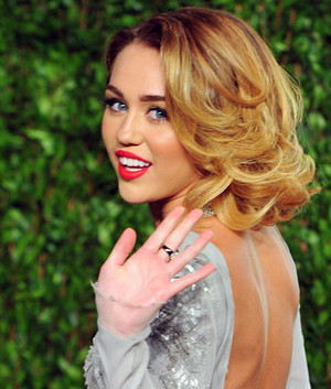 Miley Cyrus as a Classic Beauty