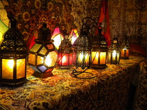 Moraccan lanterns & candles