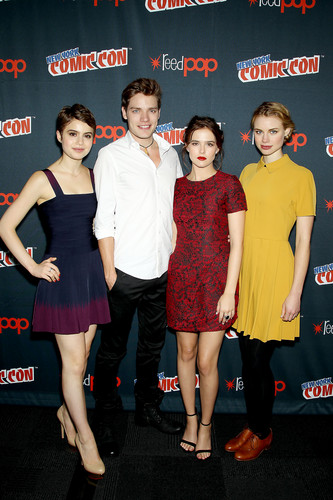 The Vampire Academy Blood Sisters वॉलपेपर containing bare legs and tights titled NY Comic Con 2013 - Dominic, Zoey, Lucy & Sami