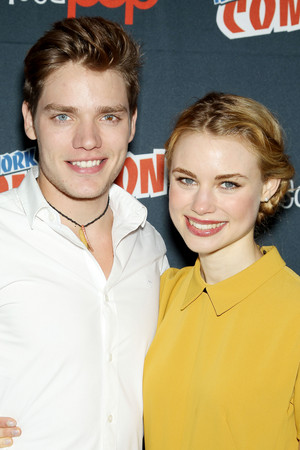 NY Comic Con 2013 - Lucy & Dominic