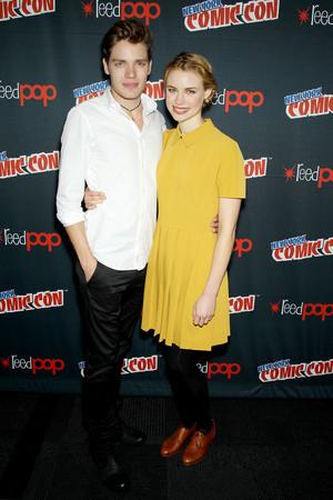 NY Comic Con 2013 - Lucy & Dominic