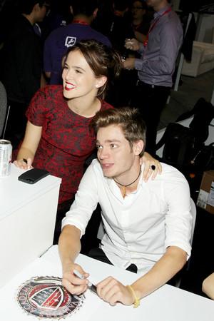 NY Comic Con 2013 - Zoey & Dominic
