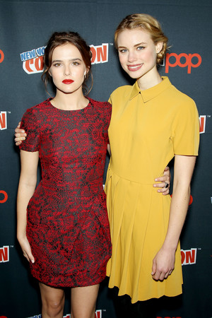 NY Comic Con 2013 - Zoey and Lucy