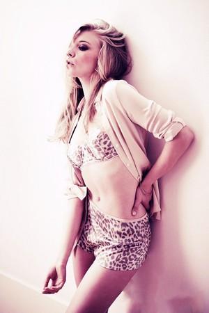 Natalie - Esquire (November 2013)