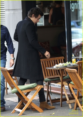 October 8th - Harry at Rushcutters bahía in Sydney, Australia