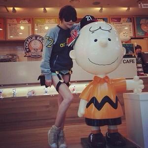 Park Bom's Instagram Update (131001)