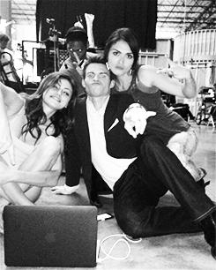 Phoebe, Daniel & Daniella → live tweeting
