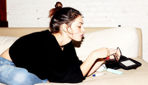 Phoebe Tonkin for FRAME DENIM (Into The Gloss)