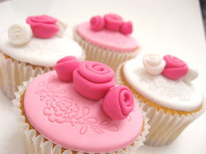 merah jambu Kek Cawan