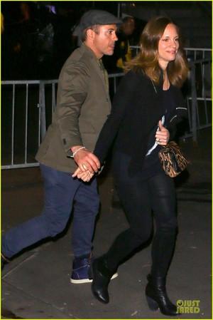 Robert Downey Jr. & Susan Hold Hands at 'Maroon 5' コンサート