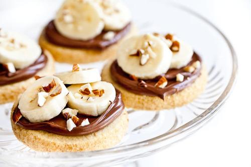 Nutella Hintergrund containing pfannkuchen and a cupcake called Sweet Nutella Treats