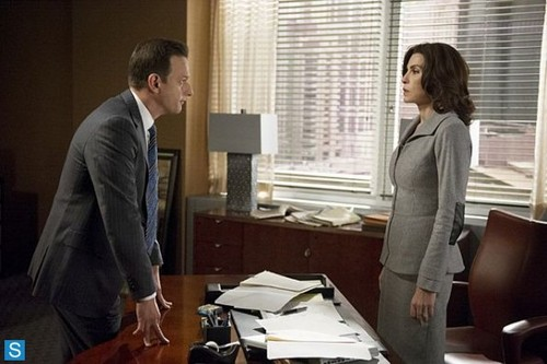 Will & Alicia wolpeyper probably containing a living room, a drafting table, and a family room entitled The Good Wife - Episode 5.05 - Hitting the tagahanga - Promotional mga litrato