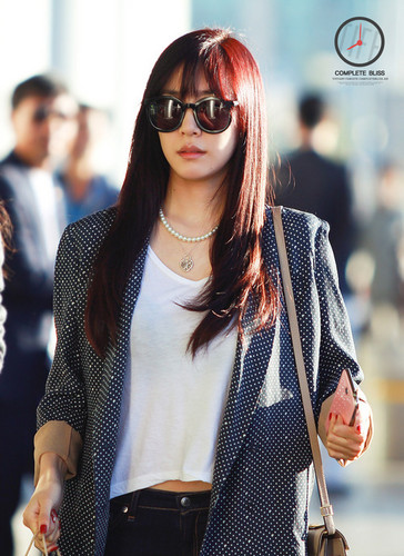 Tiffany Hwang wallpaper containing sunglasses entitled Tiffany Airport