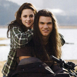Twilight New Moon Promo - Bella and jake