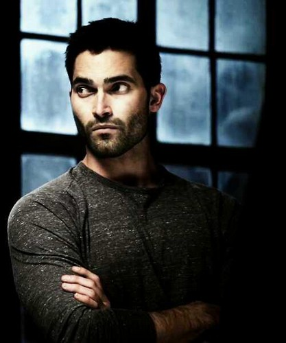 Tyler Hoechlin karatasi la kupamba ukuta possibly with a holding cell titled Tyler ♥