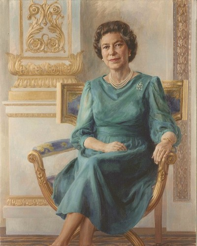Queen Elizabeth II wallpaper with a surcoat and a kirtle titled queen elizabeth ii
