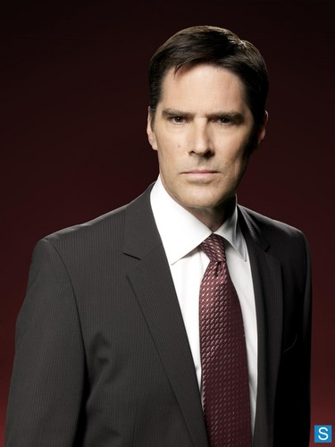 SSA Aaron Hotchner वॉलपेपर containing a business suit, a suit, and a double breasted suit entitled Aaron Hotchner
