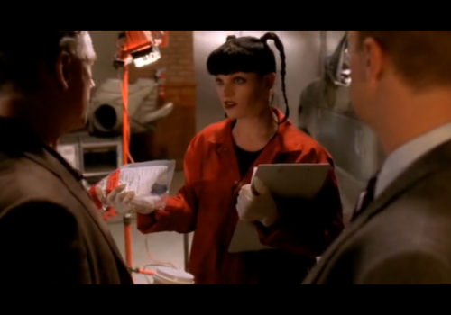 Abby Sciuto wallpaper possibly with a business suit and a portrait entitled Abby with McGee and Gibbs