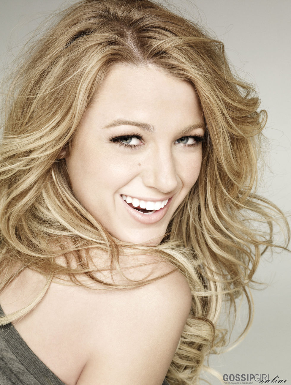 random images actress - blake lively hd wallpaper and background