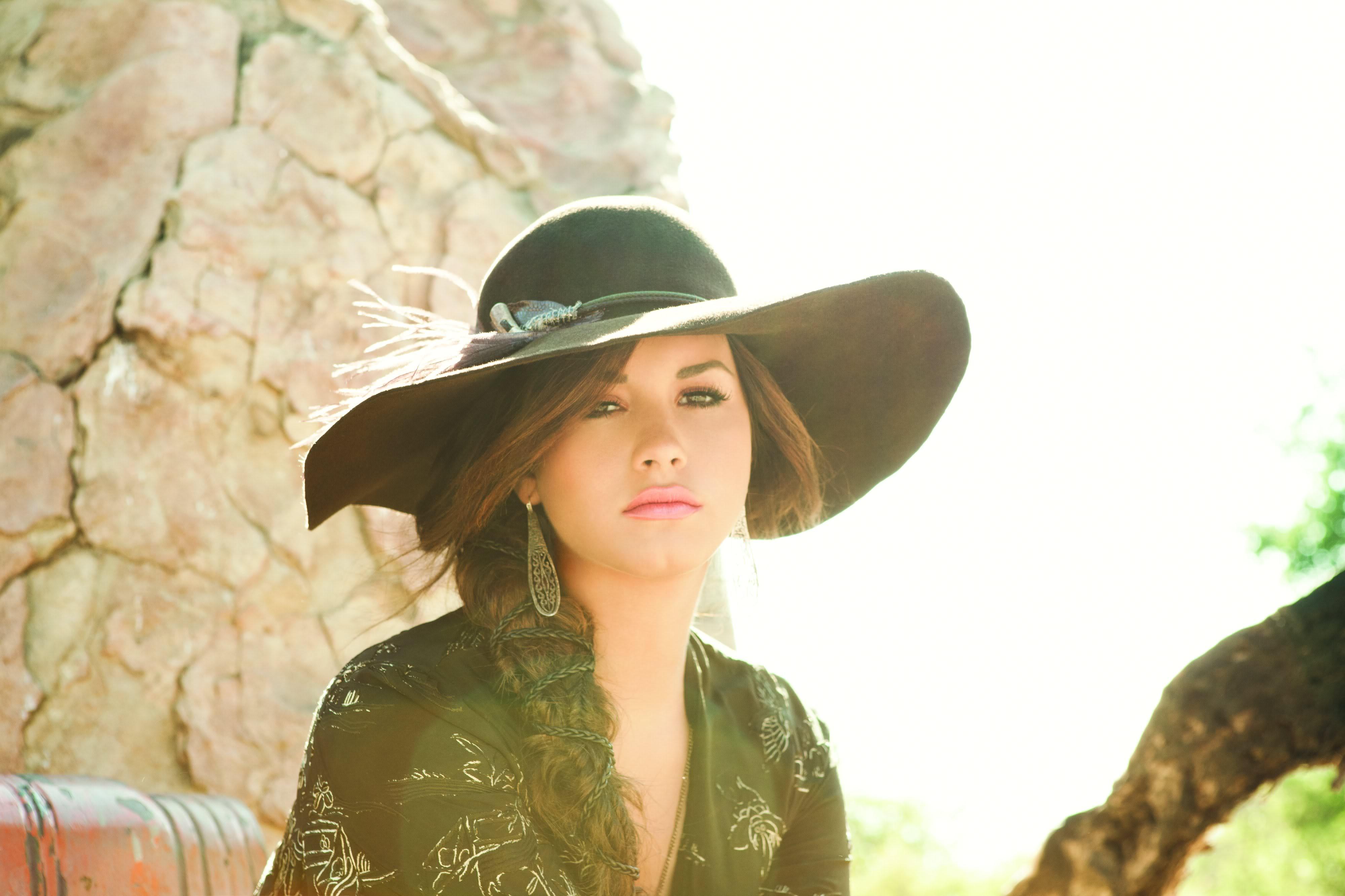 actress singer demi lovato random photo 35861210