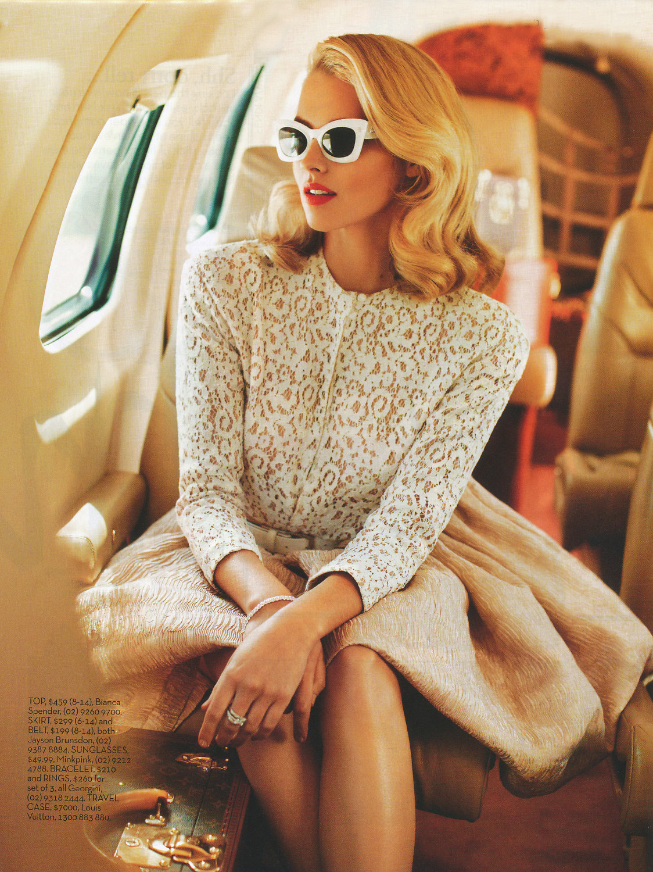 Фото девушки женщины в самолете 10 фотография