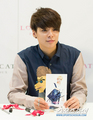 Amber Lovcat Fansign - f-x photo