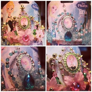 Anna and Elsa crowns at Disneyland