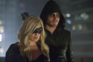 Arrow - Season 2 - foto's of The Vigilante and Black Canary