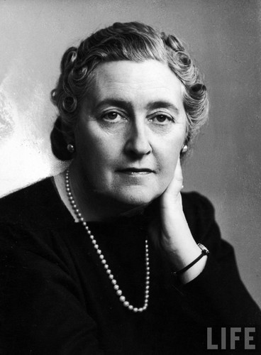 Poets & Writers wallpaper entitled Dame Agatha Christie
