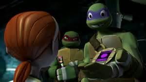 2012 Teenage Mutant Ninja Turtles 壁紙 entitled Donatello offers April T-Phone
