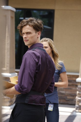 Dr. Spencer Reid Hintergrund possibly with a business suit entitled Dr. Spencer Reid