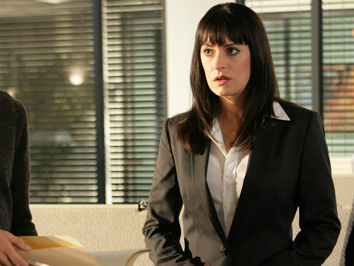 Emily Prentiss 壁纸 with a business suit, a suit, and a well dressed person called Emily Prentiss