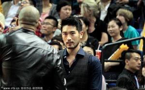 Godfrey at the Lakers Game [Shangai - 10.18.2013]