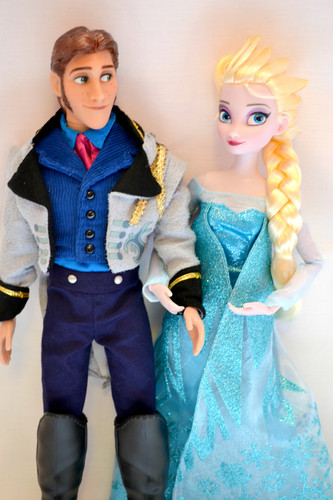 Hans wallpaper possibly with an outerwear and a blouse titled Hans and Elsa Dolls