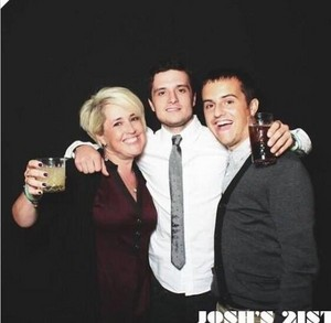 Josh with his mum Michelle and his brother Connor at his 21st birthday party