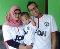 Manchester United Fans Family - manchester-united photo