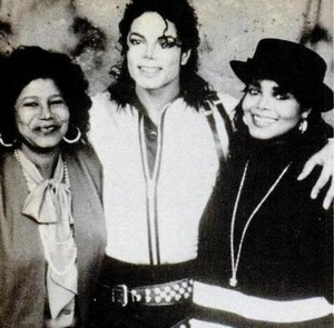 Michael Backstage With His Family