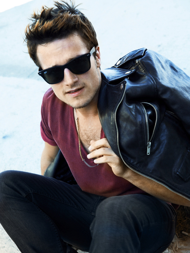 josh hutcherson wallpaper containing sunglasses called New foto from the Seventeen photoshoot