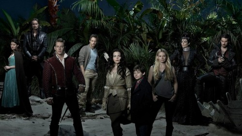Teen テレビ shows 壁紙 probably with a royal palm, a banana, and a 通り, ストリート called Once Upon a Time Season 3