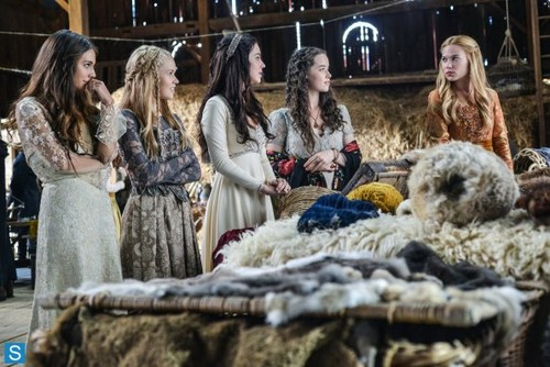 Reign [TV Show] fondo de pantalla entitled Reign - Episode 1.05 - A Chill in the Air - Promotional fotos