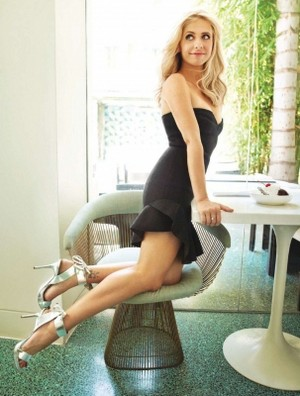 Sarah Michelle Gellar More Magazine (November 2013)