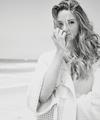 Shailene.