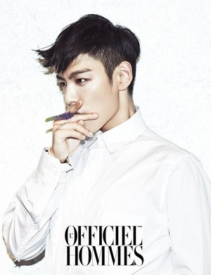 T.O.P the cover of the November issue of 'L'Officiel Hommes'!