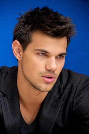 Taylor Lautner(aka Jacob Black)