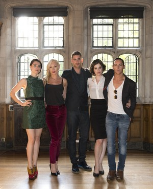 The Cast HQ