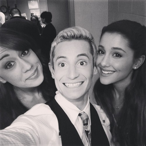Ariana Grande hình nền containing a portrait called The Crew